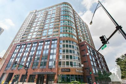 River North condo with stunning skyline views!