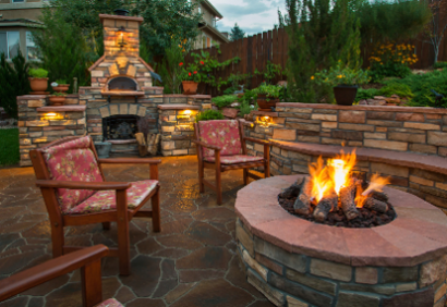 Creating Outdoor Living Spaces to Enjoy all Year