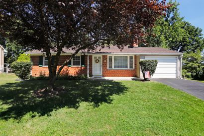 109 Eastview Dr, Hagerstown, MD 21742