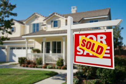 USE A REAL ESTATE AGENT WHEN BUYING A HOUSE.