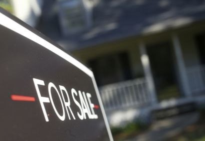 US Home Price Growth Slows for the 14th Straight Month; Pending Home Sales Climb