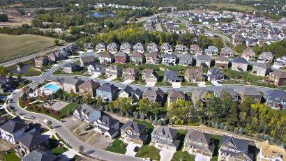 5 metro Phoenix ZIP codes rank in top U.S. areas to buy money-making rental homes