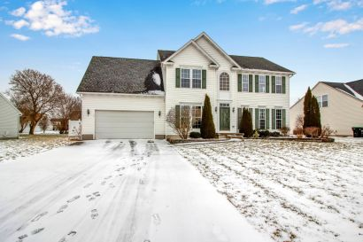 UNDER CONTRACT – 79 Old Carriage House Road