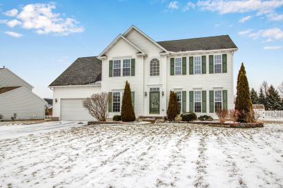 NEW LISTING – 79 Old Carriage House Road