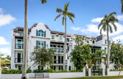 Consider Luxury Condo in Naples