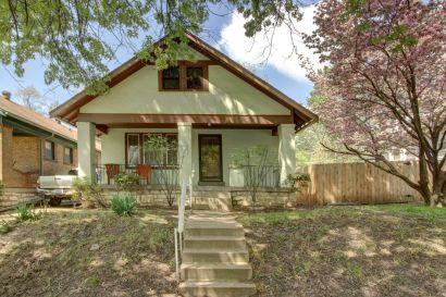 JUST LISTED! Charming West Plaza Bungalow!
