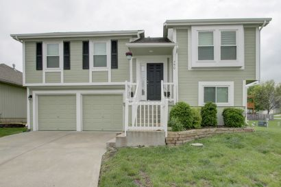 NEW ON THE MARKET! Fabulous Charmer in Maintenance Provided Community!