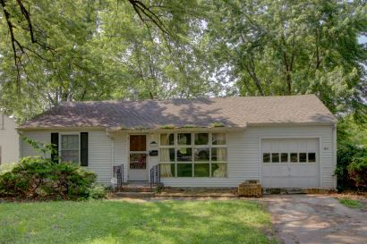 NEW ON THE MARKET! True Ranch Home! Imagine the Possibilities!