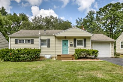 PRICE REDUCED IN PRAIRIE VILLAGE