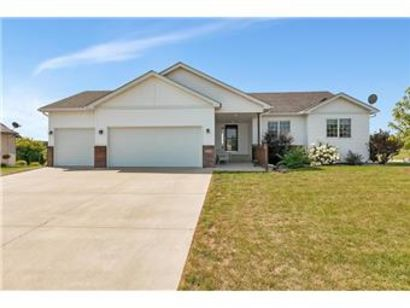 Wonderful 5 bedroom rambler in Clearwater!