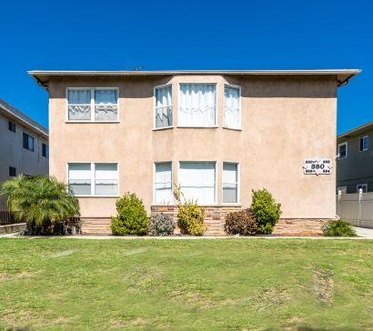 * For Sale * 5 Unit Apartment Building