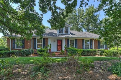 JUST LISTED in Olde Providence!