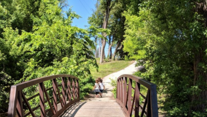 Indispensable Guide to Lake Country and Waukesha