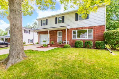 Welcome Home to 2717 W. Huntington Drive, Peoria