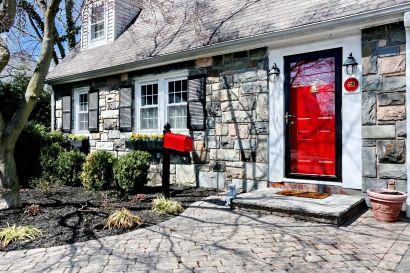 Captivating Stone Front Cottage – Open Sunday 5/19/19