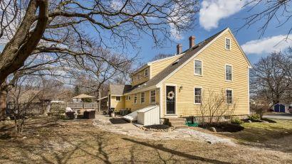 165 HOBART ST., DANVERS, MA – 1727 Antique