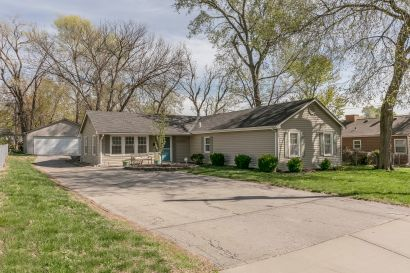 JUST LISTED TODAY with OPEN HOUSE TODAY ~ Mon 4/22, 4-6pm!