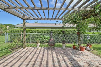 Harbor Lake Estates Home For Sale in Largo, FL | MLS U8017420