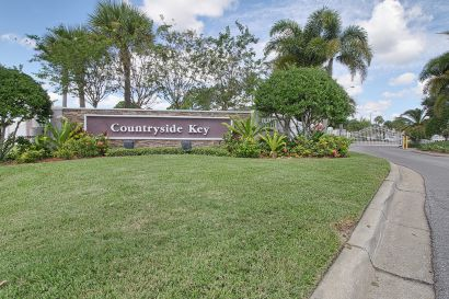 Countryside Key Townhouse For Sale in Oldsmar, FL | MLS U8017727