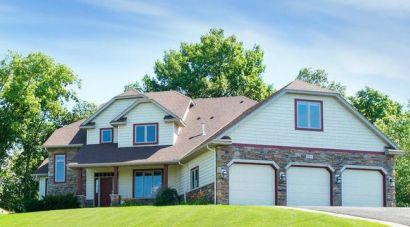 SOLD: 621 Cascade Drive, Chaska $542,000