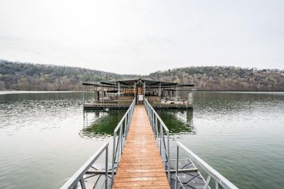 Lake Taneycomo Condo