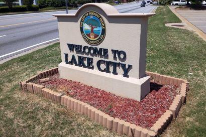 Lake City, Small Town, Big Conveniences