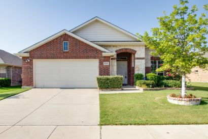For lease in Little Elm!