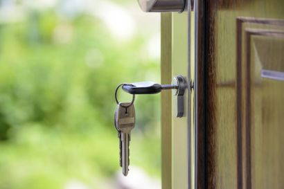 Keep Your Portland Home Safe from Burglars While You're on Vacation
