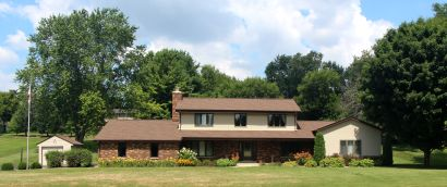 New Listing – 21600 W Hidden Valley Drive in New Berlin