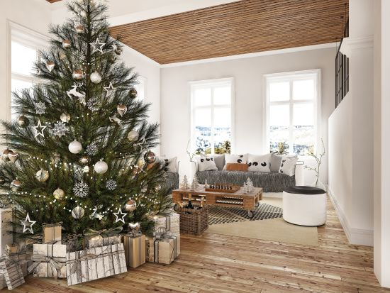 Tasteful Holiday Decorating: When Selling a Home You Can Still Make Your NC Home Festive