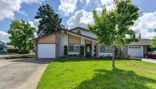Lowenthal Sells 9217 Celito Ct