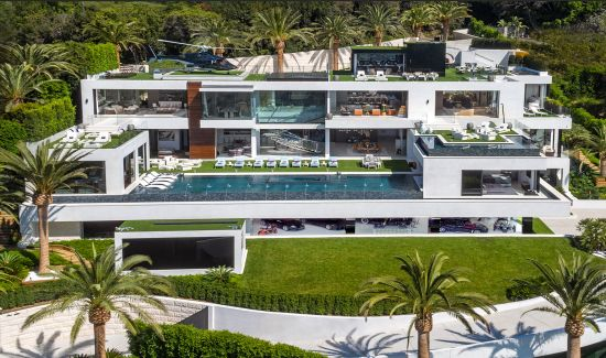 The Mega Mansion That Just Got a $100 Million Dollar Price Reduction