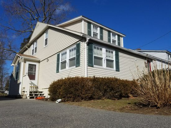 Stunning 4 bed/2 bath home in Cedar Tree Point. Narragansett Bay Warwick