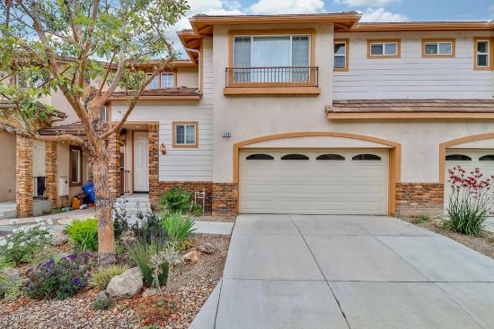Beautifully remodeled 3-bedroom townhouse in a small, quiet community of West Simi!