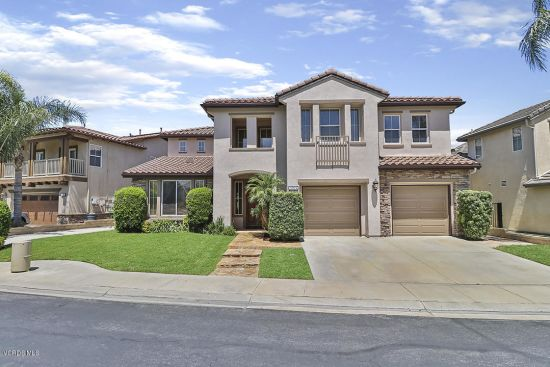 Beautiful 2-story home in Montaire community of East Simi!