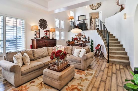 Stunning 4-bedroom townhouse in gated community of Thousand Oaks