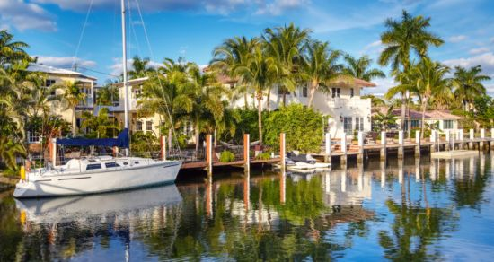 What to Keep in Mind When Purchasing a Waterfront Home