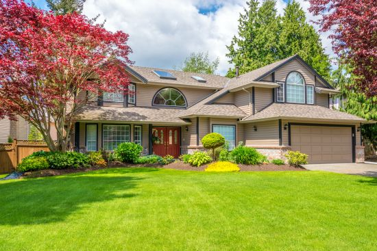 Using Curb Appeal to Sell Your Home for More